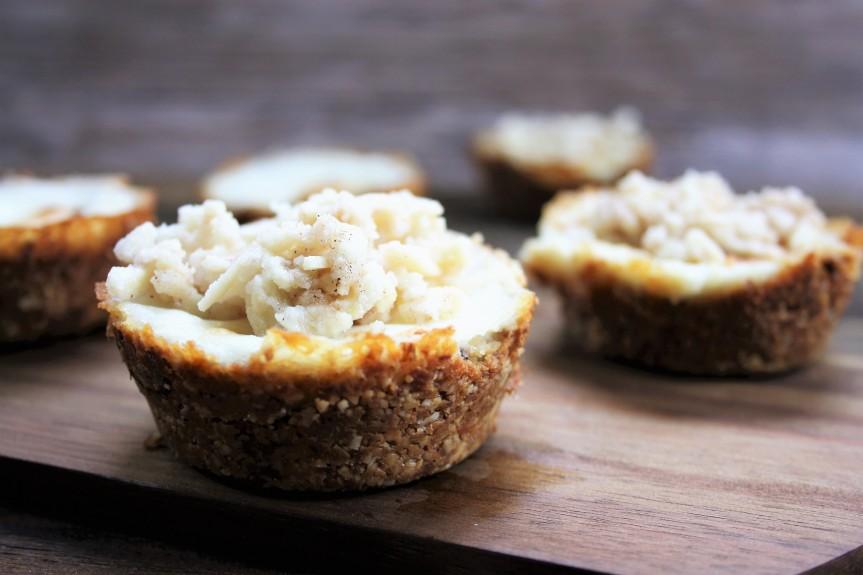 Tartelettes mit Kokoscreme undMandel-Crunch